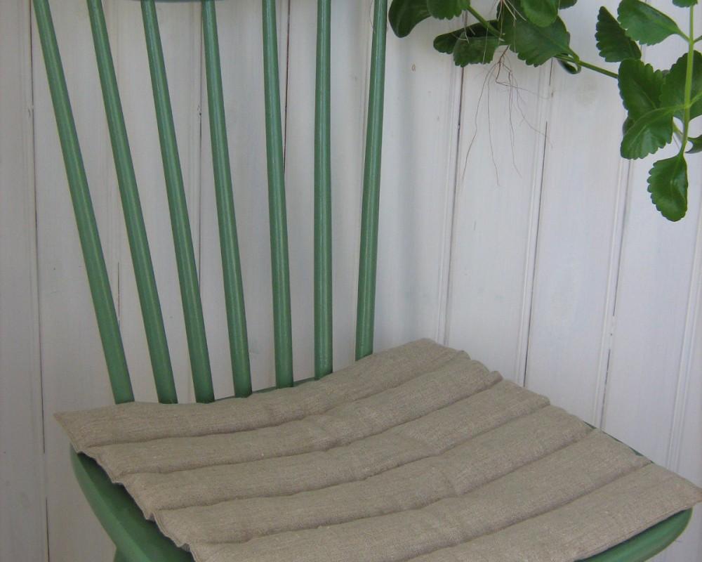 Vetekudde lagom att lägga på en stol